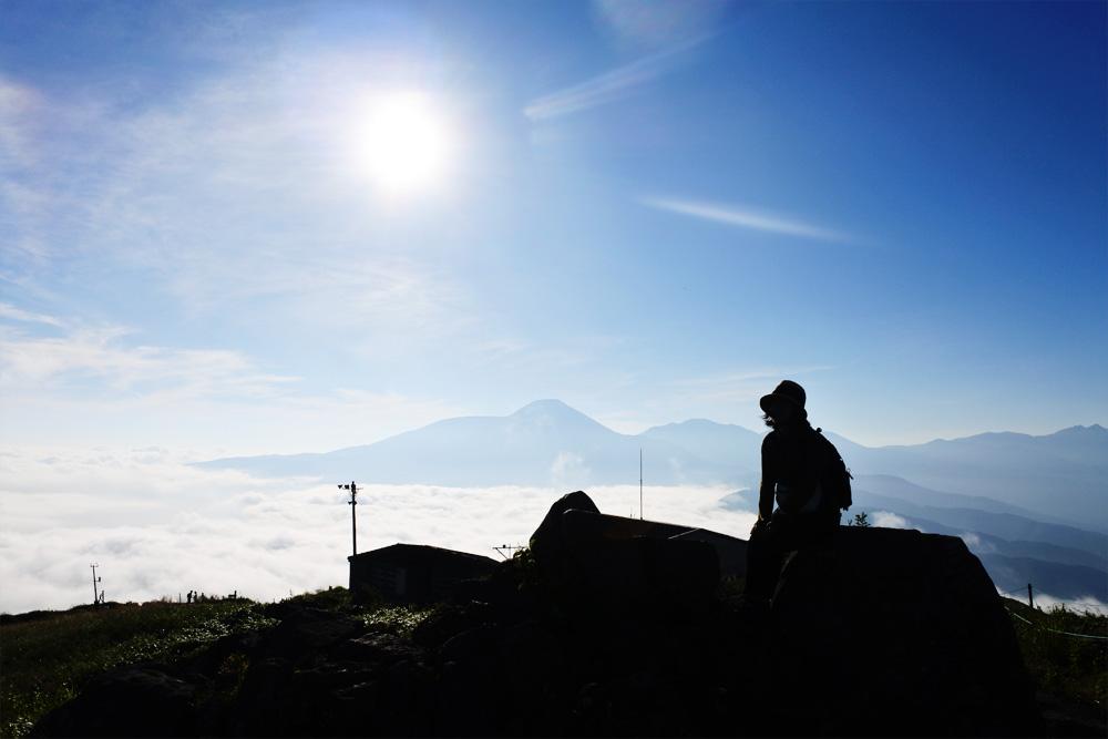 趣味の一つに「登山」という選択。登山の魅力や気になる費用