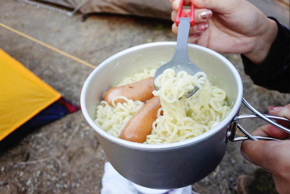 登山での食事はみんなどうしてる?栄養重視で軽くて気軽さが大事