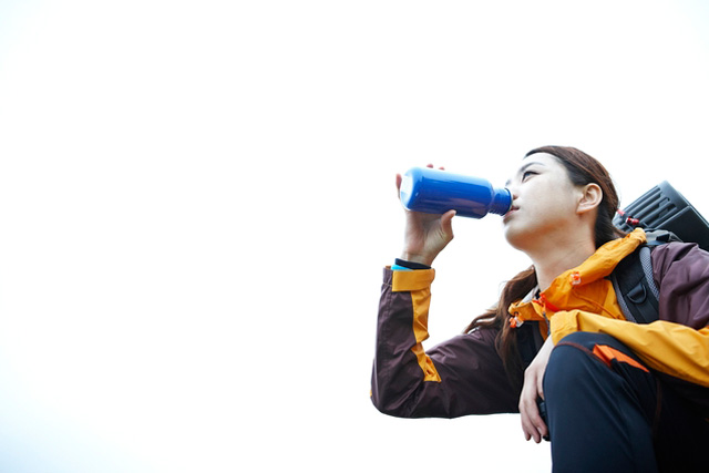 登山に適した飲み物とは。水分補給の重要性と飲み物の種類