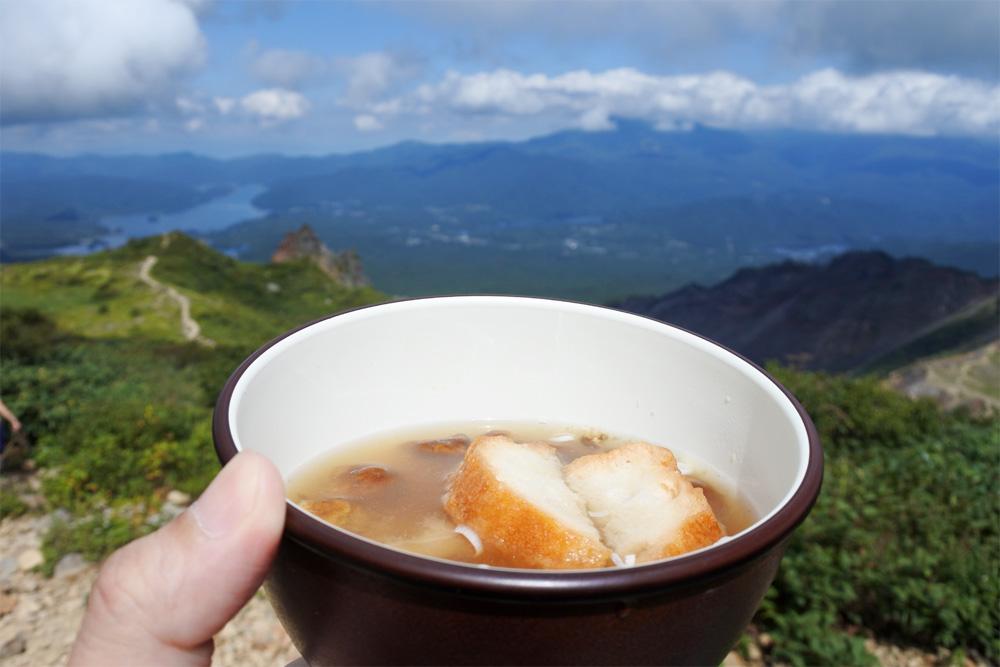 登山ではどんな食べ物を持っていく?登山に最適な食料を考えてみよう